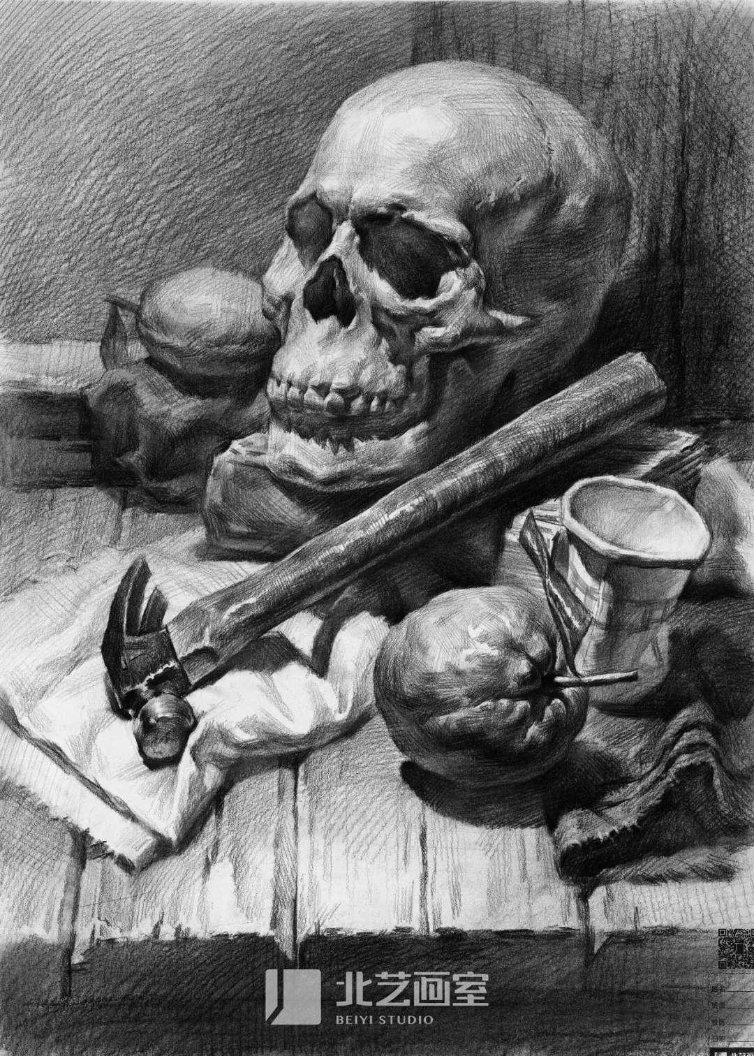 素描静物——骷髅头/锤子、纸杯、水果组合训练作品