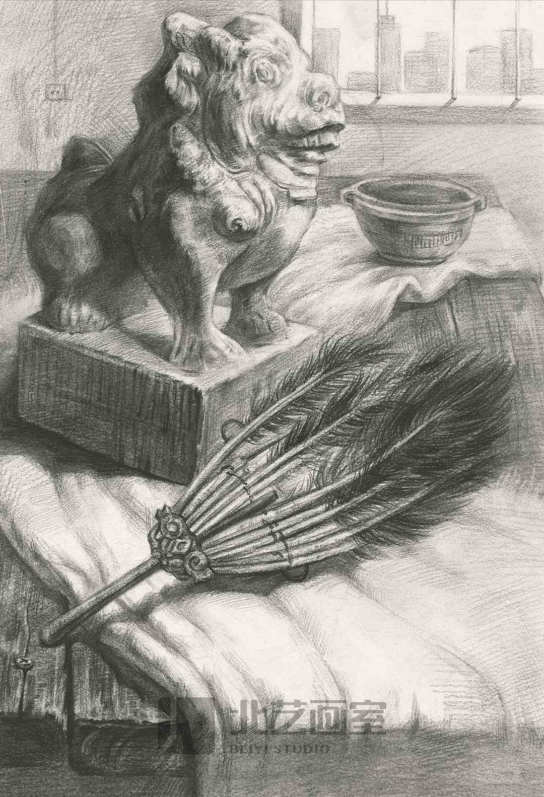 描静物组合作品赏析——石狮子、羽扇