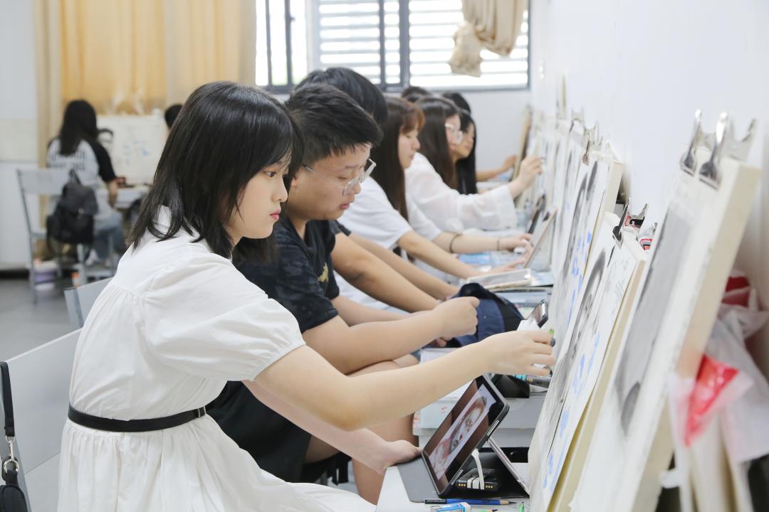 北艺画室美术生