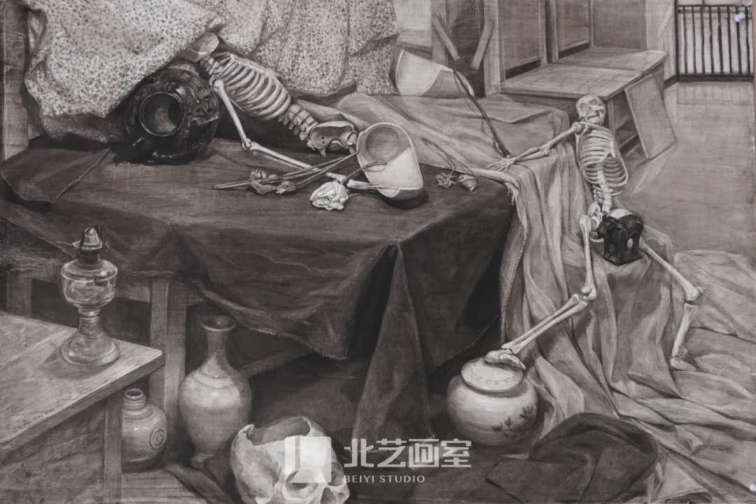 素描静物——罐子、骨骼组合训练作品