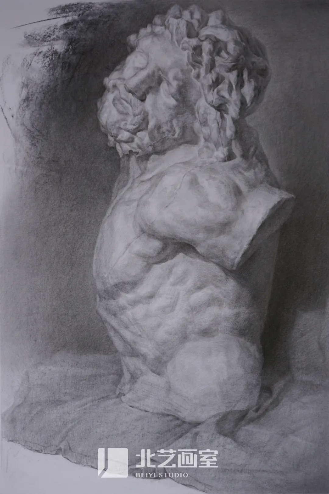 素描石膏像作品赏析——拉奥孔侧门